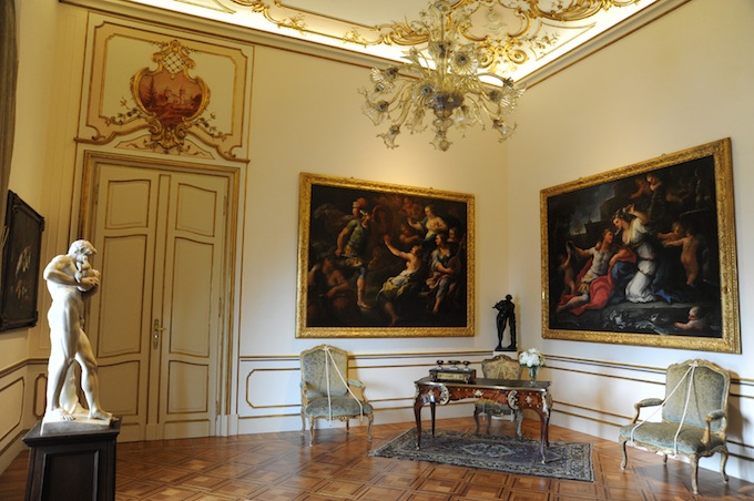 More interior shots from Villa Regina Margherita in Bordighera