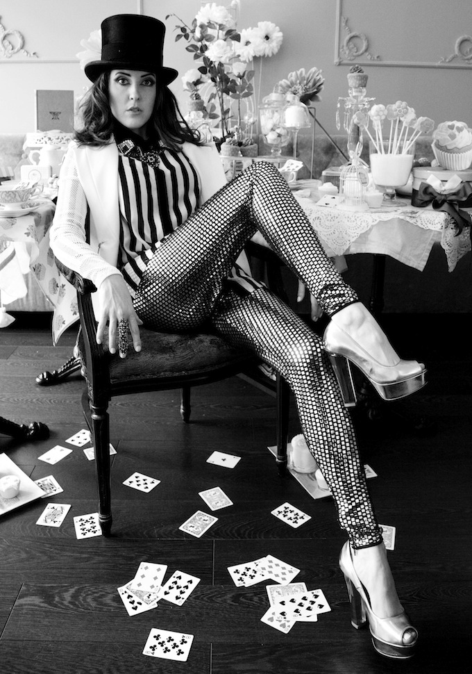 The Mad Hatter fashion shoot goes retro!
