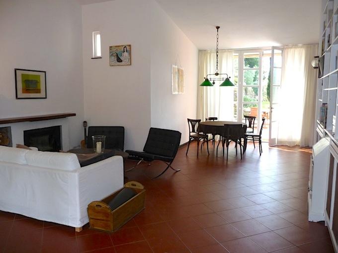 The salon of the country villa in Imperia
