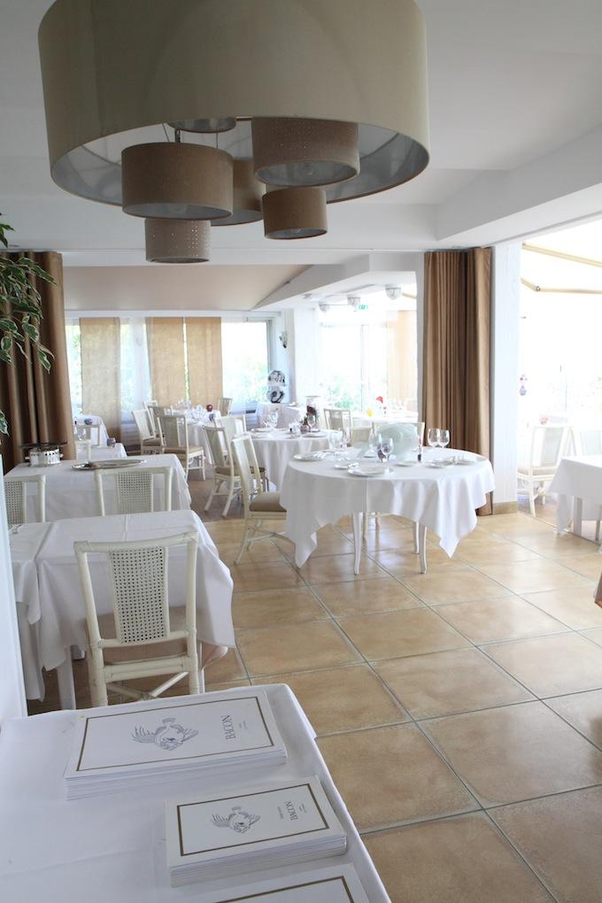 The interior of Restaurant de Bacon