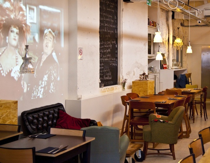 The wall become a moving feast in Rosalina Bar in Nice