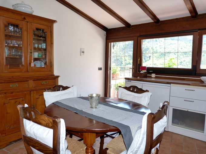 The well-appointed kitchen in the Dolceacqua property