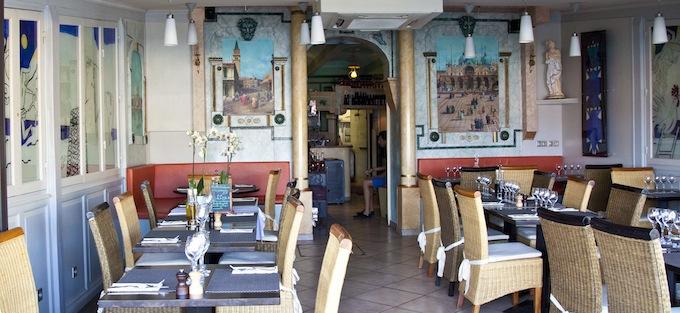 The interior of the Trastevere restaurant in Villefranch-sur-Mer