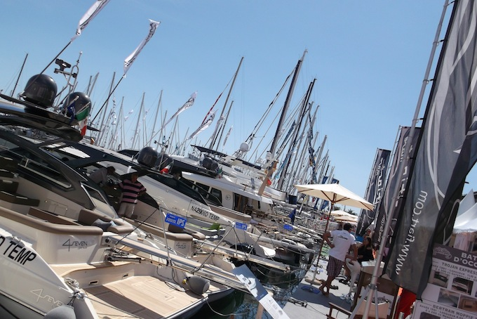 Cannes Yacht Show 2013 - yachts at quayside