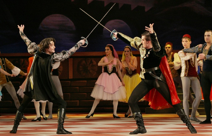 Action from Moscow Theatre production of Romeo and Juliet