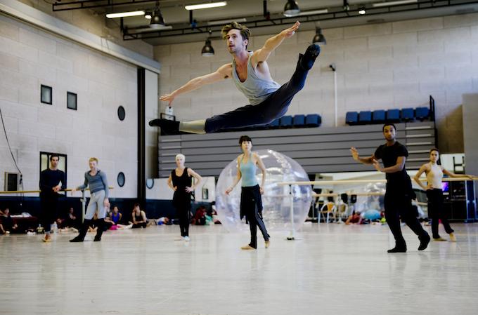 Les Ballets de Monte-Carlo perform a version of Casse Noisette 2103
