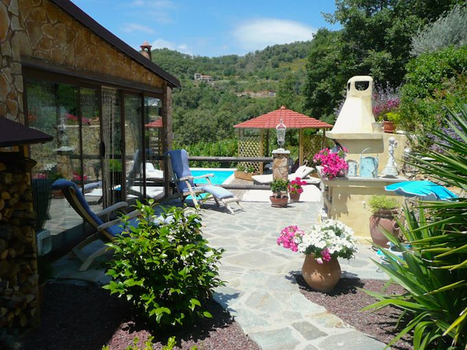 Country villa in Vasia, Liguria