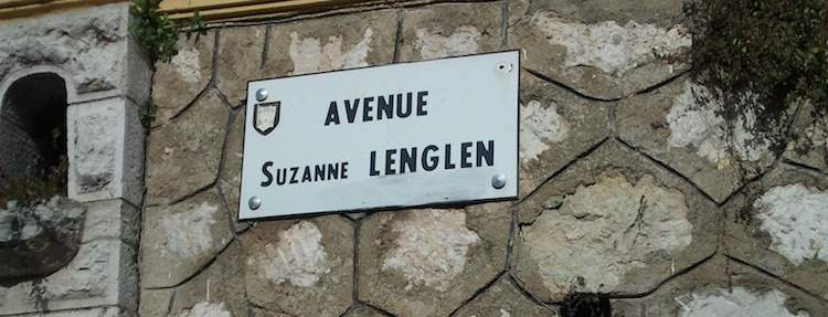 Avenue Suzanne Lenglen sign in Nice