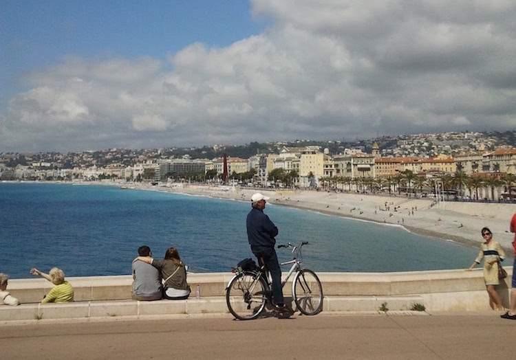 Promenade des Anglais seen from Quai de Rauba-Capeù